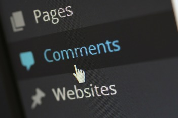 "A computer screen with the word ""comments"" with the cursor"